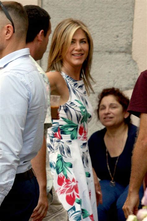 Jennifer Aniston works on Murder Mystery in Lake Como as