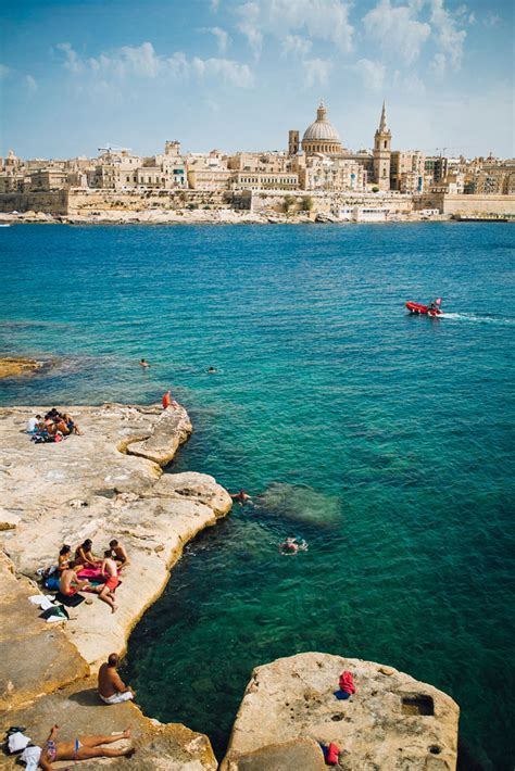 Sliema Travel Guide - 9 Essential Tips for holidays in