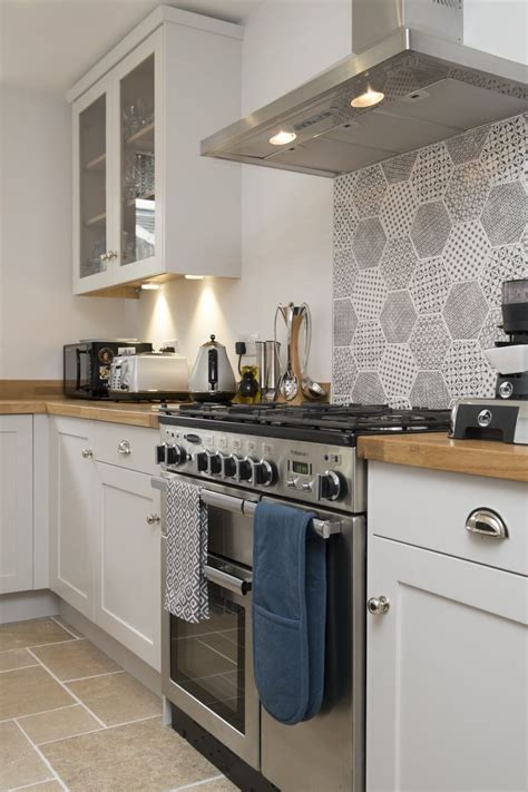 A plate rack is the perfect storage solution in your