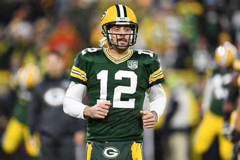 Aaron Rodgers Injury: Green Bay Packers Star Leaves Game