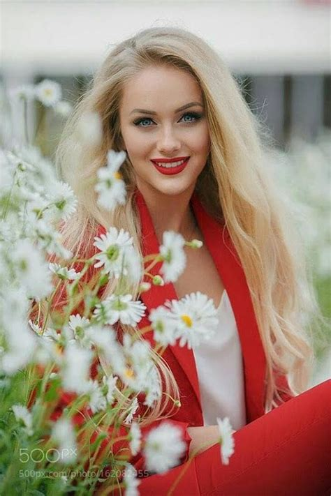 Pin by Berényi Laszló on Szép képek! | Beautiful blonde