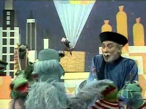 Muppets - Spike Milligan - It's a small world - YouTube
