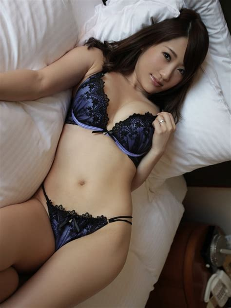 Hannah - Outcall Japanese Happy Ending Massage London