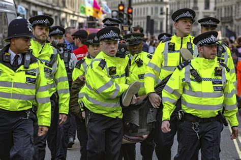 Extinction Rebellion latest: More than 570 arrests as