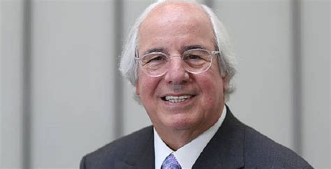 Frank Abagnale Biography - Facts, Family Life of Impostor