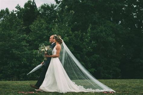 ALEXIS AND CHASE'S RAINY DAY WEDDING AT CASTLETON FARMS