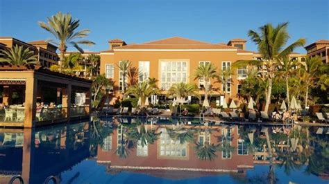 Coronavirus: Tenerife hotel with hundreds of guests locked