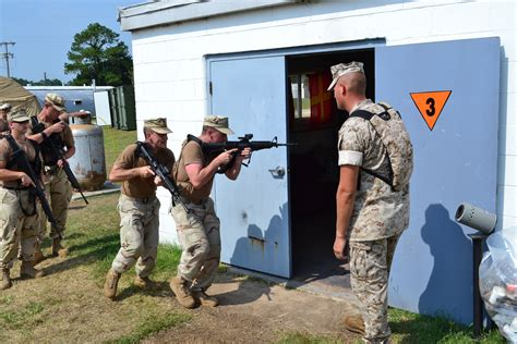 2nd LAAD teams up with Coast Guard for small unit tactics